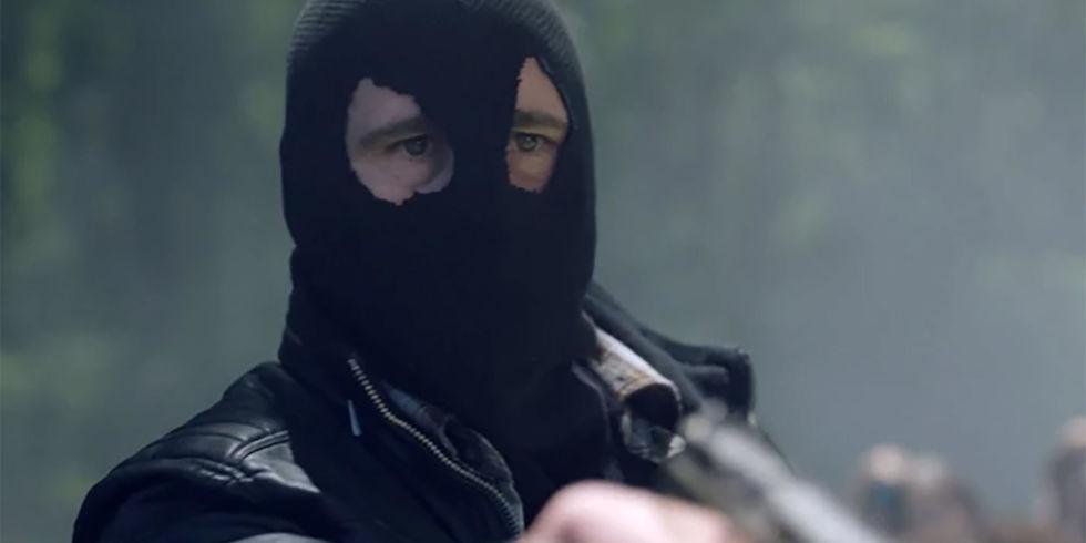 Riverdale revela seu maior mistério – a identidade do Capuz Negro!
