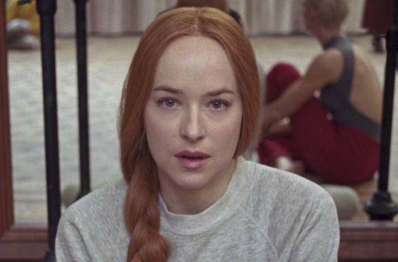 Trailer de Suspiria: Algo Mau Assombra Dakota Johnson Em Seus Cinquenta Tons